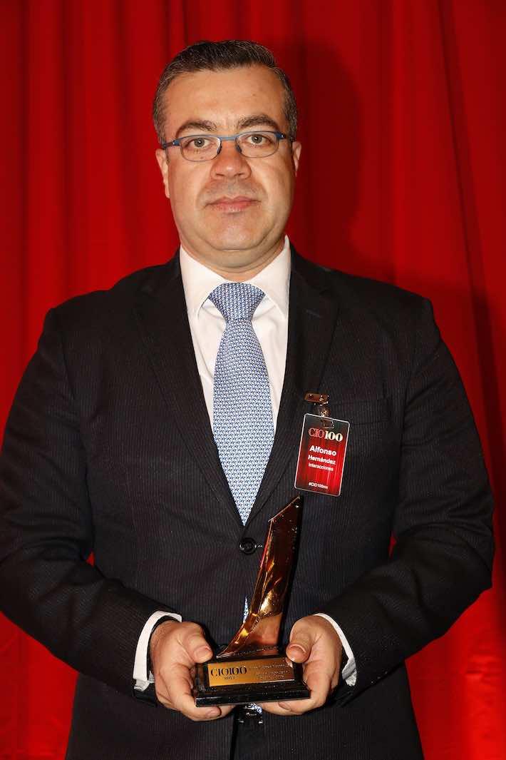 Juan-Alfonso-Hernandez-Interacciones-710x1654